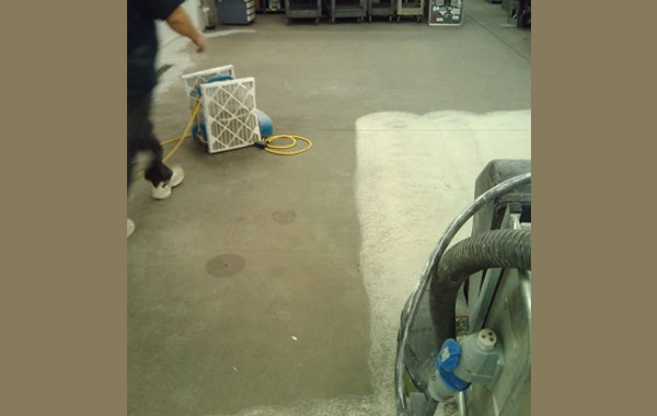 industrial-concrete-polishing-in-process-1