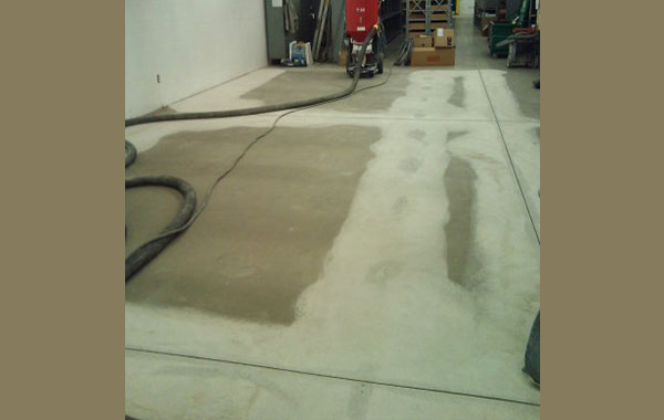 industrial-concrete-polishing-in-process-2